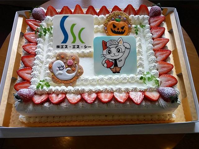 キャラクター角型デコレーションケーキ