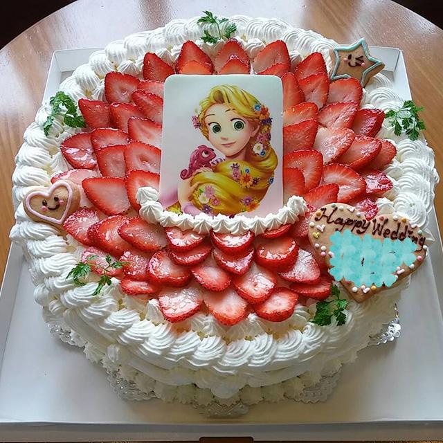 キャラクターデコレーションウェディングケーキ